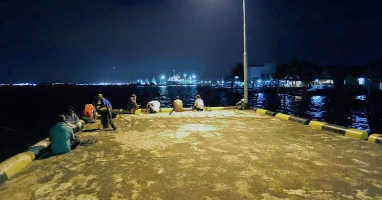Umpan Mancing Laut Malam Hari