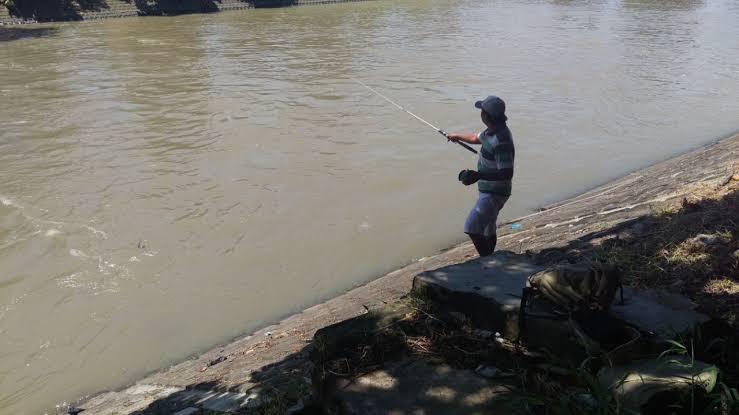 Pantangan saat memancing ikan